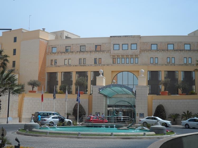 Hilton Malta Eingang